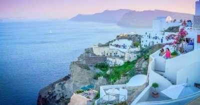 Греция отменит недельный карантин для туристов: названо условие