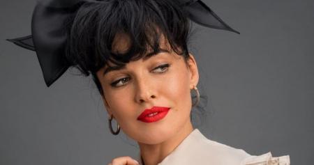 Даша Астафьева показала рокерский образ в новой фотосессии